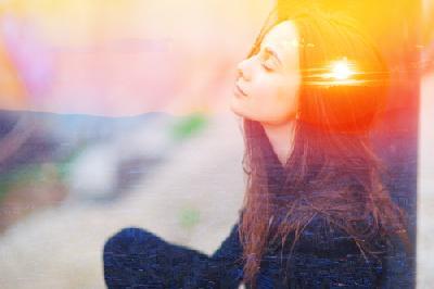 La luminothérapie: quand la lumière soigne ou soulage les maux